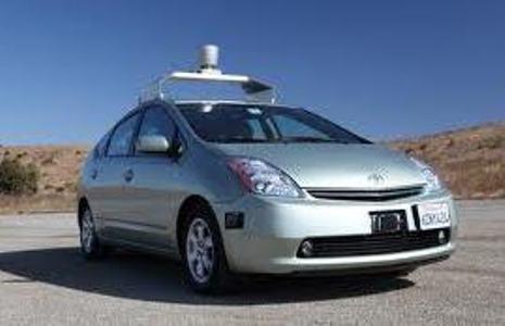 Первые автомобили без водителя появились в США